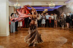 Pokaz tańca na weselu